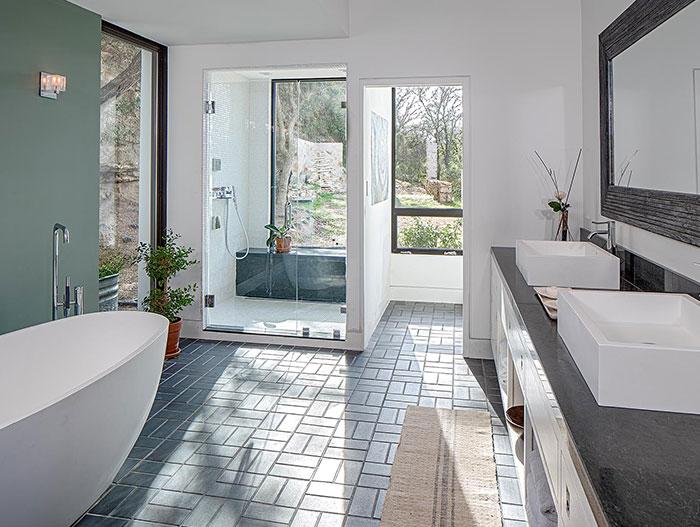 Modern bathroom in cliff dwelling near lake Austin, Texas
