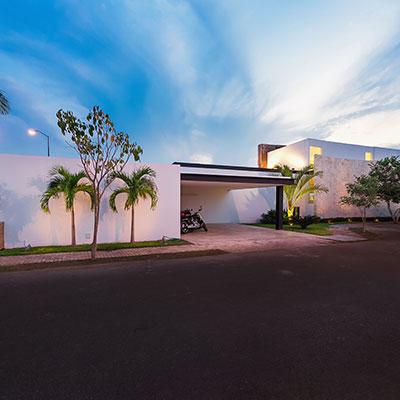 Modern House by Seijo Peon Arquitectos y Asociados