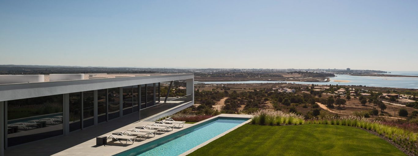 Portuguese architecture at its best: modern Zauia House by Mario Martins Atelier offers amazing views of Lagos Bay