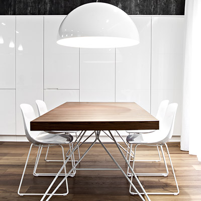 Modern dining room design idea in a renovated apartment located in Italy - SG House by M12 Architettura Design