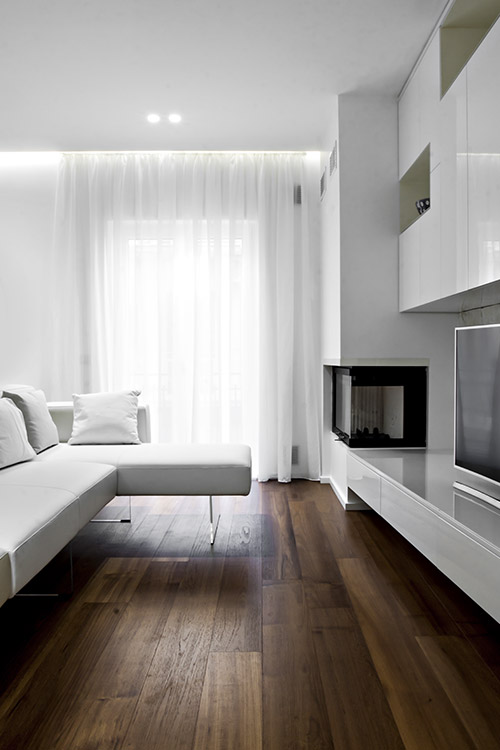 Small living room design idea in a renovated apartment located in Italy - SG House by M12 Architettura Design
