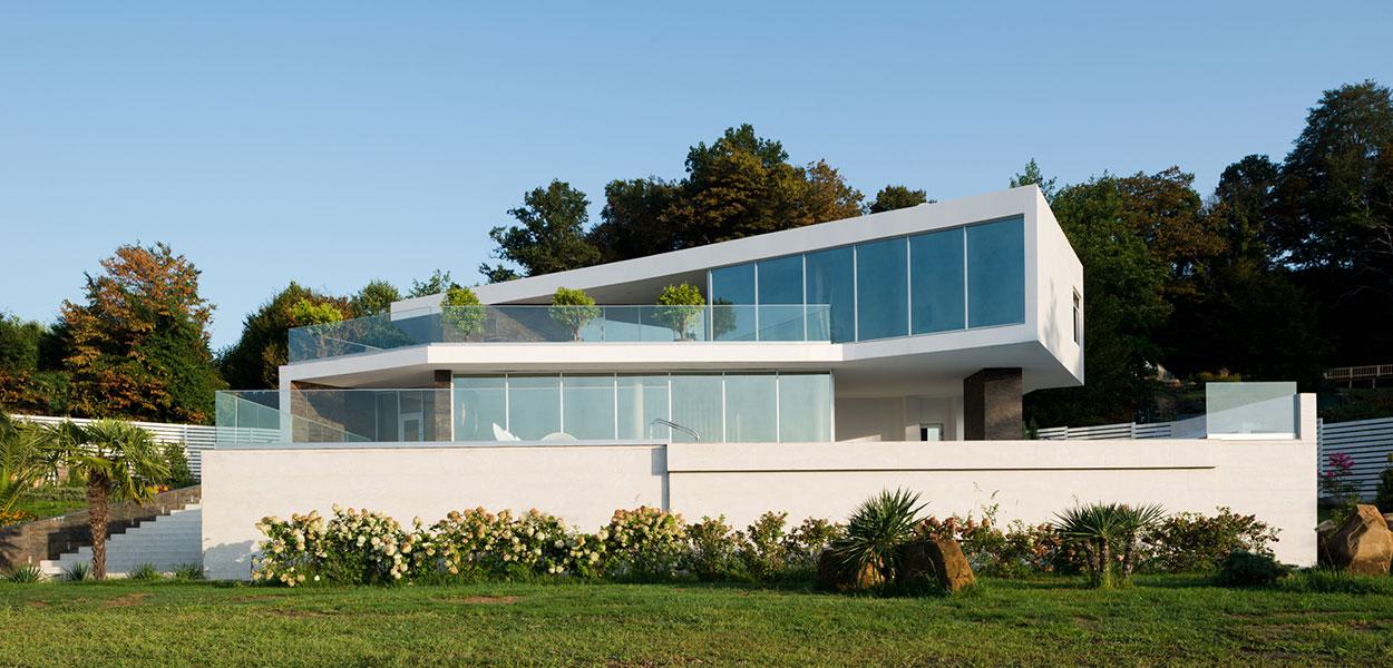 Spacious Sochi villa with contemporary architecture and interior design