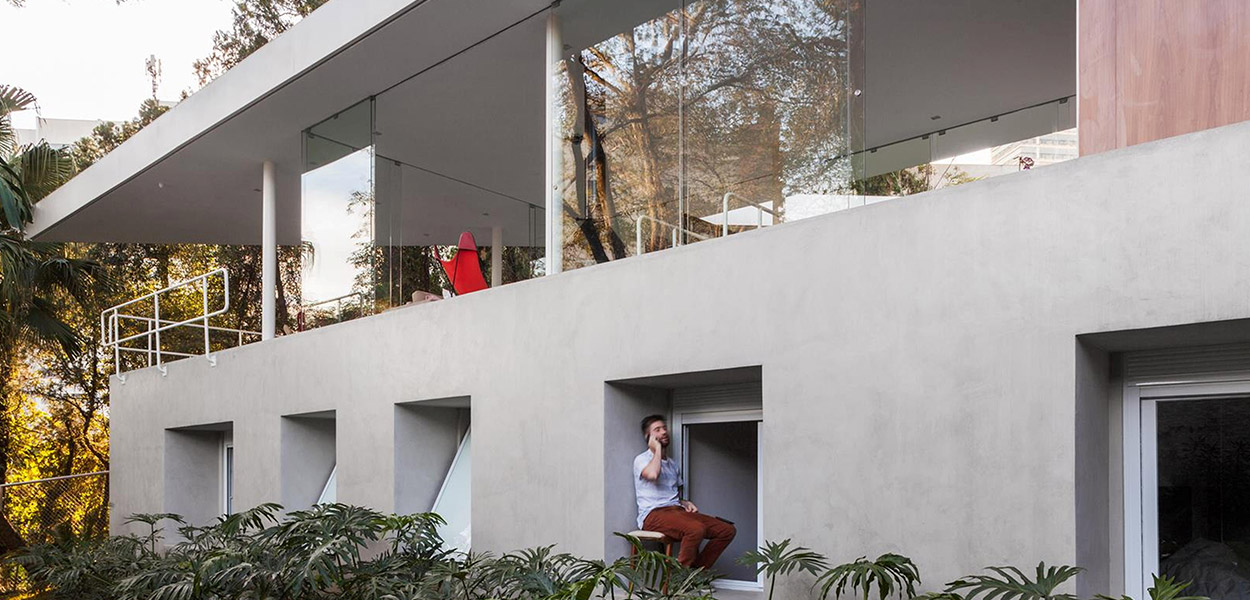 Spectacular two storey house in Sao Paulo - private areas inside concrete monolith