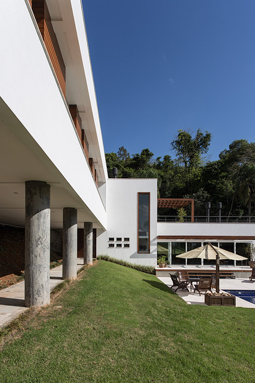 Amazing view of contemporary sustainable cantilevered house in Brazil