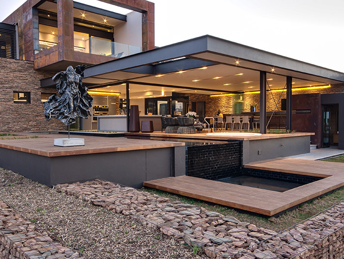 Stunning contemporary mansion in South Africa that blends luxury with comfort - by Nico van der Meulen Architects