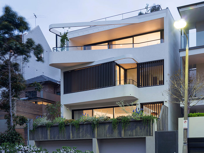 Stunning exterior of a dwelling with two beautiful apartments in Sydney by Luigi Rosselli Architects