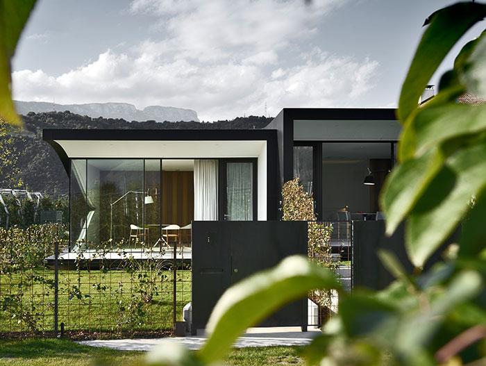 stunning-mirror-houses-peter-pichler