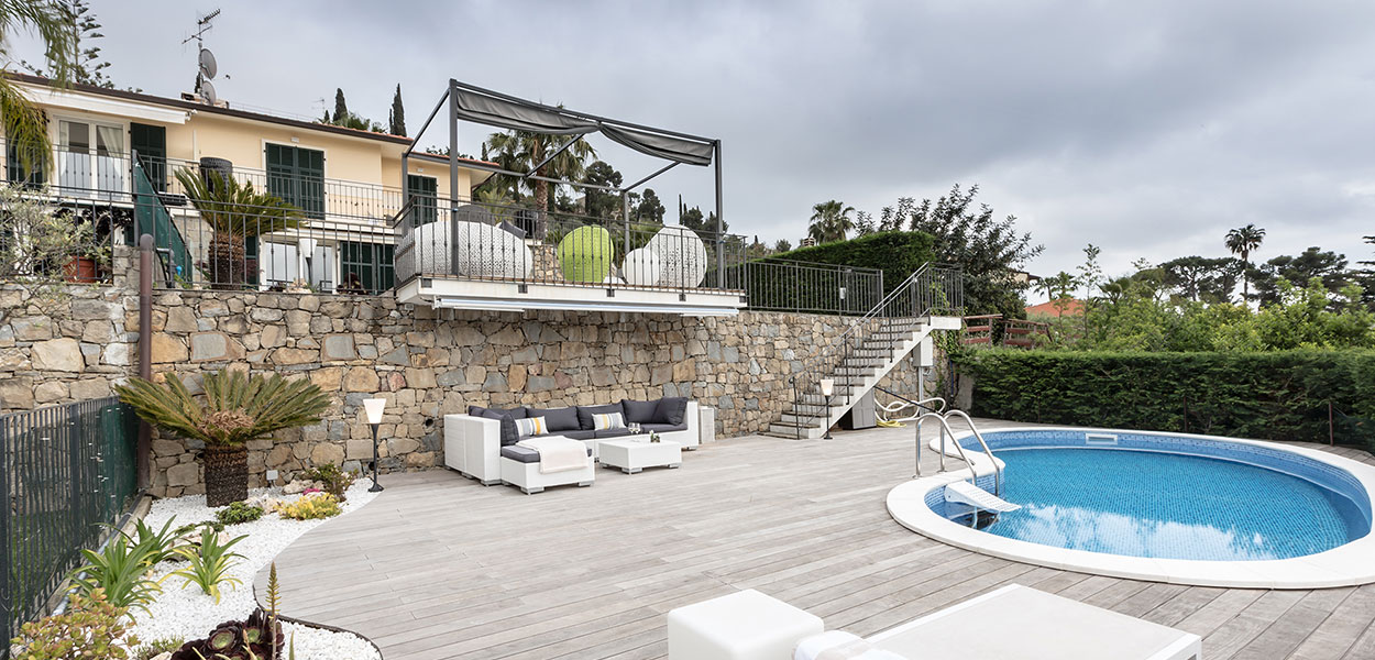 From the interior to the outdoor area, this stylish villa in Bordighera by NG-Studio is all about comfort, functionality and the beauty of the Italian Riviera