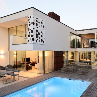 Stylish villa overlooking Vienna DC towers by Architekt Zoran Bodrozic