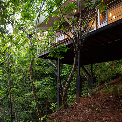 Casa Gaviota / Seagull House by Indigo Arquitectura: Amazing suspended house in Costa Rica blends with nature