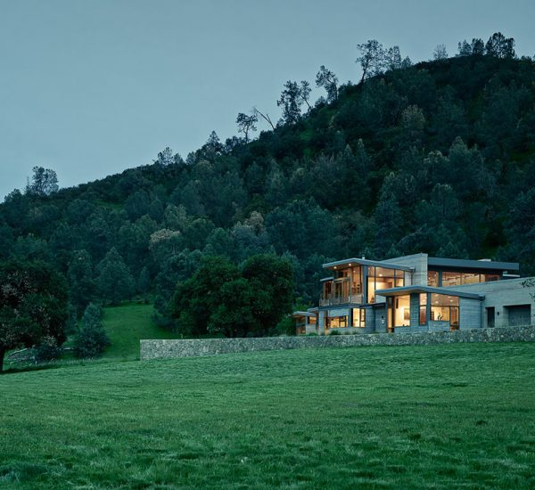 Spring Ranch by Feldman Architecture: Modern Californian retreat strikes a balance between privacy and openness