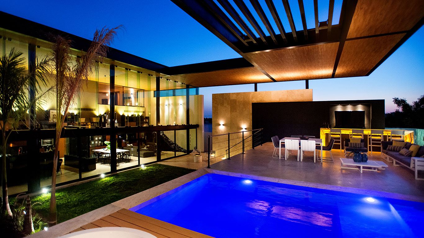 This amazing house by Seijo Peon Arquitectos boasts impressive ...