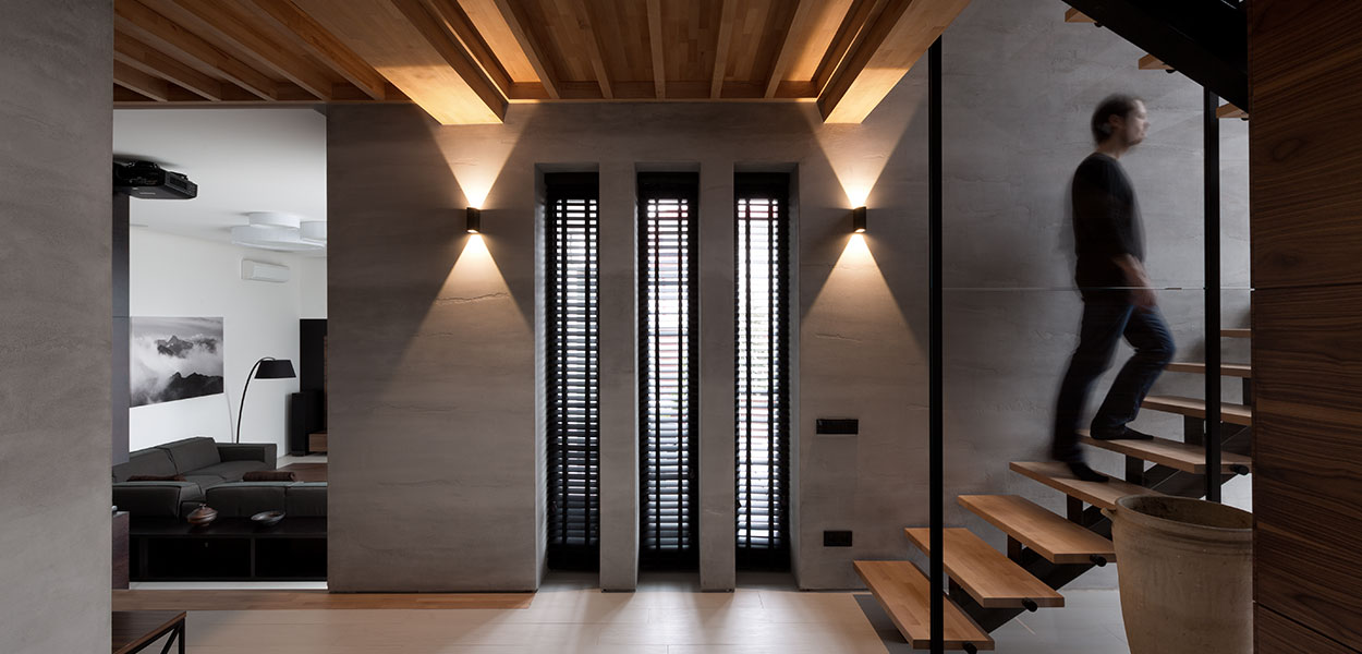Amazing hallway in Two Levels House by NOTT Design : A redesigned family home in Dnepropetrovsk, finished in a stylish neutral palette, that's a joy to behold