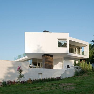Villa Sochi, Russia, contemporary architecture with all white exterior by Alexandra Fedorova Architectural Bureau