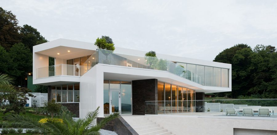 Dazzling house in Austin, Texas lets the family enjoy an indoor ...