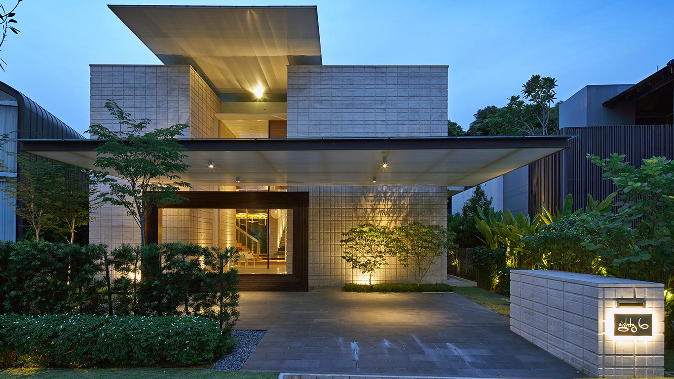 Zen courtyard contemporary home in singapore inspired by Old world house plans courtyard