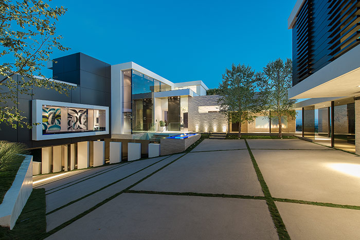 1201 Laurel Way Residence: A Beverly Hills dream home by Whipple Russell Architects