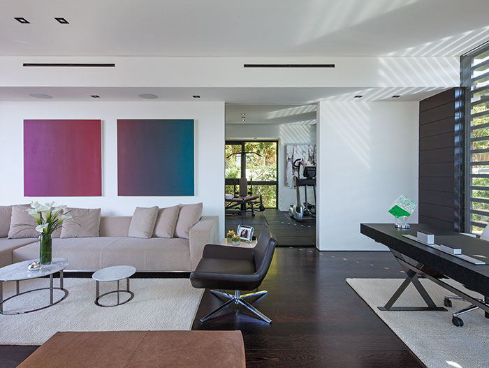 1201 Laurel Way Residence: A Beverly Hills dream home with contemporary interior by Whipple Russell Architects