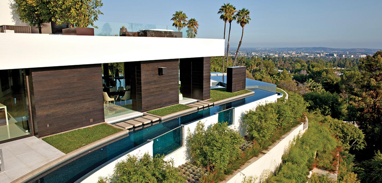 1201 Laurel Way Residence: Beverly Hills dream home with zero edge infinity pool and impressive views for a luxurious lifestyle