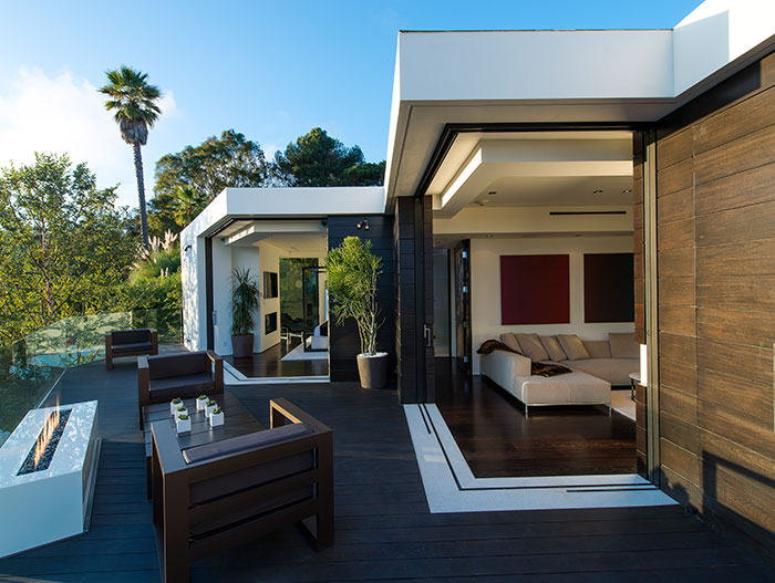 1201 Laurel Way Residence: Stunning modern home by Whipple Russell Architects