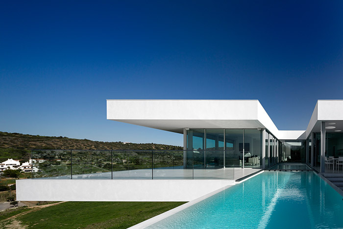 A stunning contemporary house in Algarve Portugal