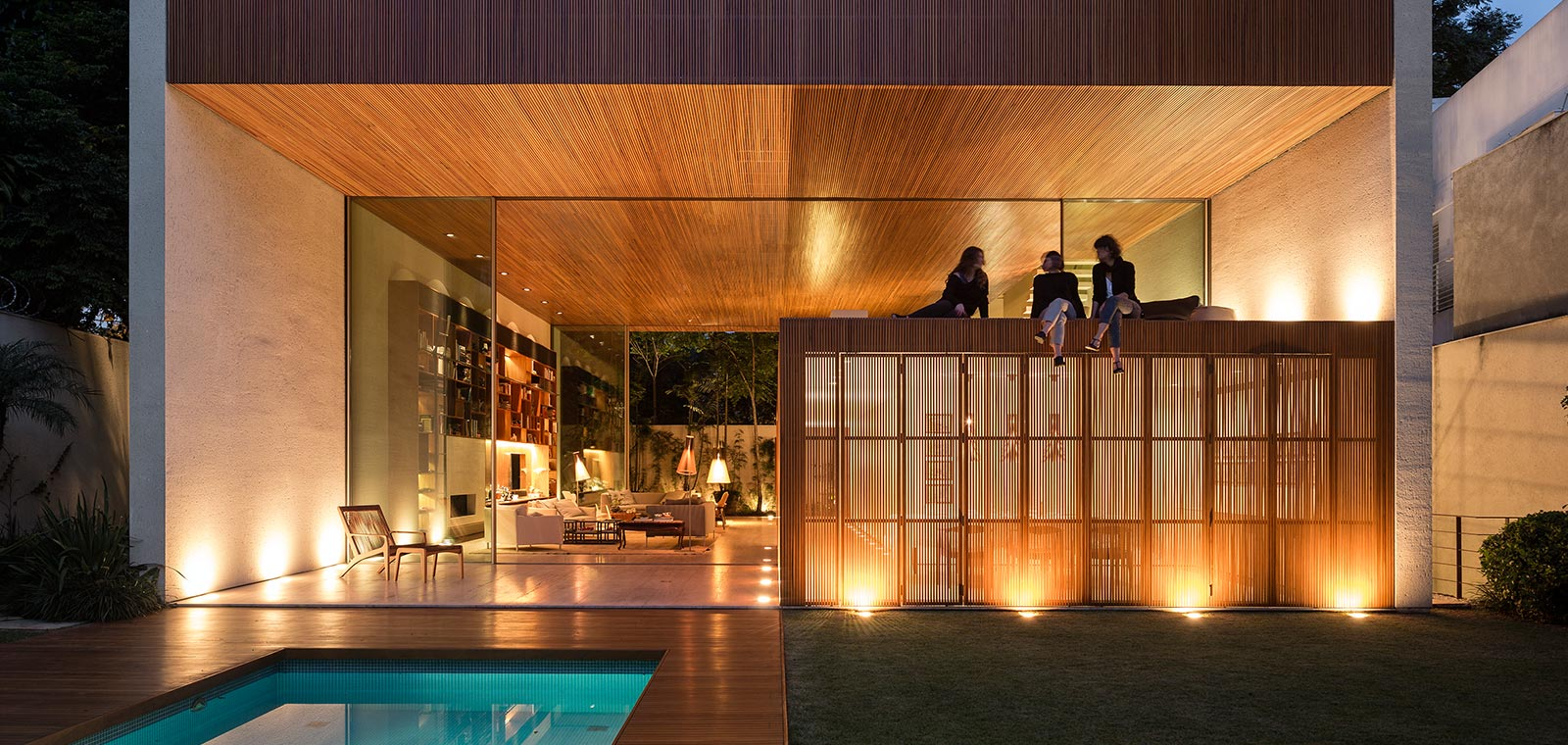 Tetris House: A modern Brazilian home organized just like the classic arcade game by Studio MK27