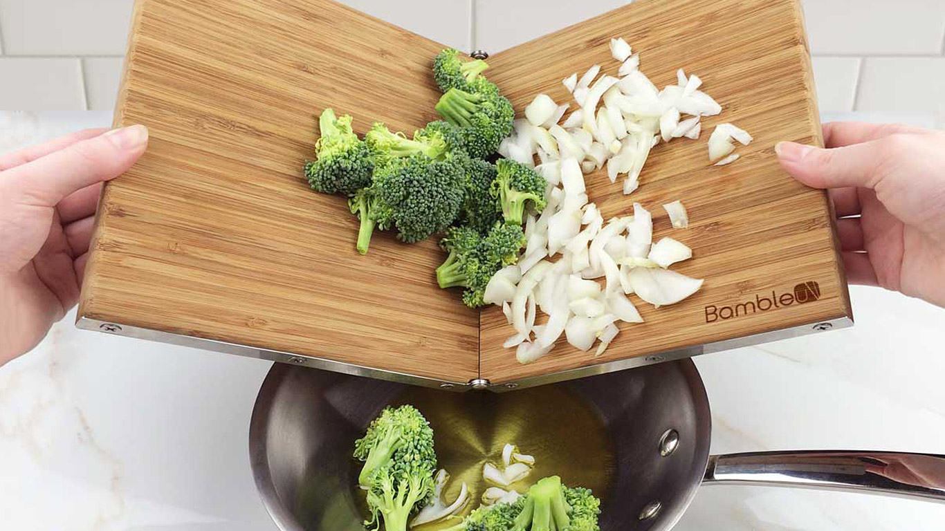 Bambleu: 4-in-1 folding cutting board saves storage space in small kitchens