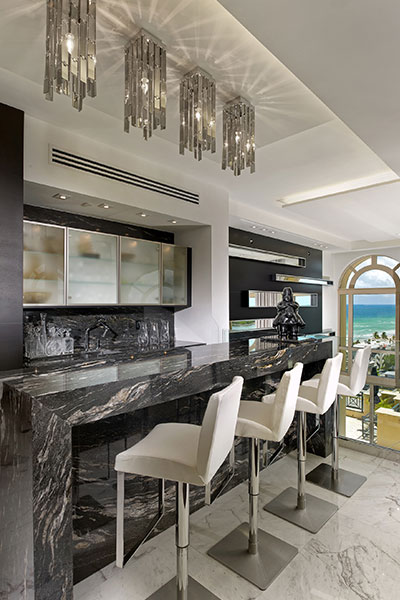 Beautiful Bar Design In A Luxurious Penthouse