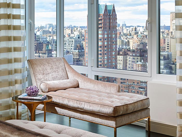 Stylish Apartment New York - Bedroom Chaise Lounge