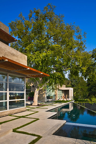 Bentley Residence - Contemporary House In Bel Air California Captures The Essence Of Indoor-Outdoor Living