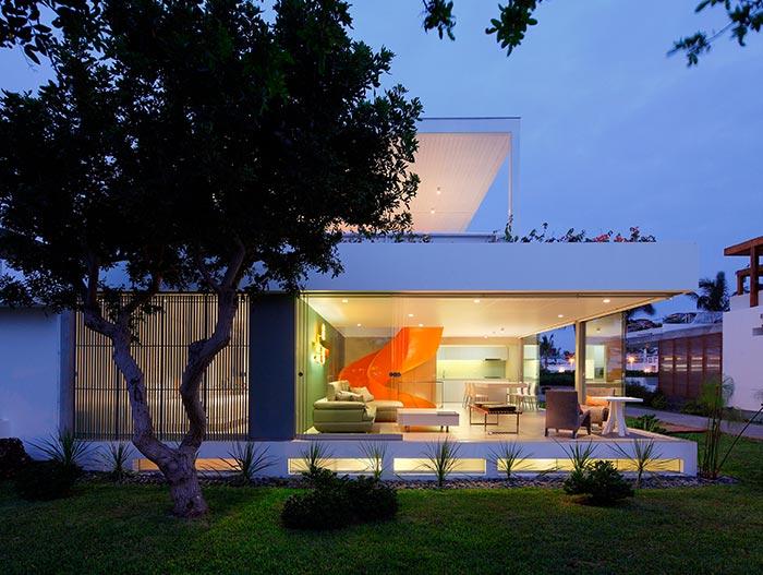 Casa Blanca Stunning House In Peru By Martin Dulanto