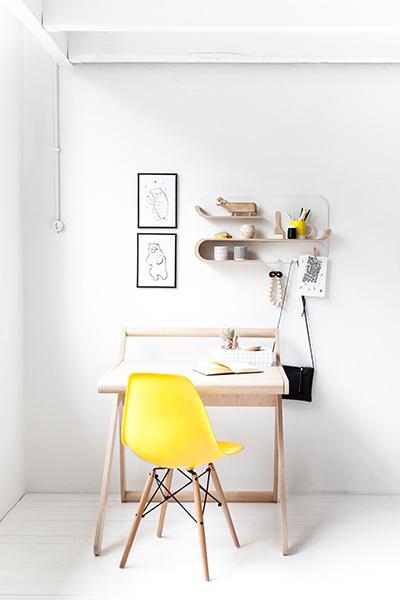 Customizable shelf for kids room and study area