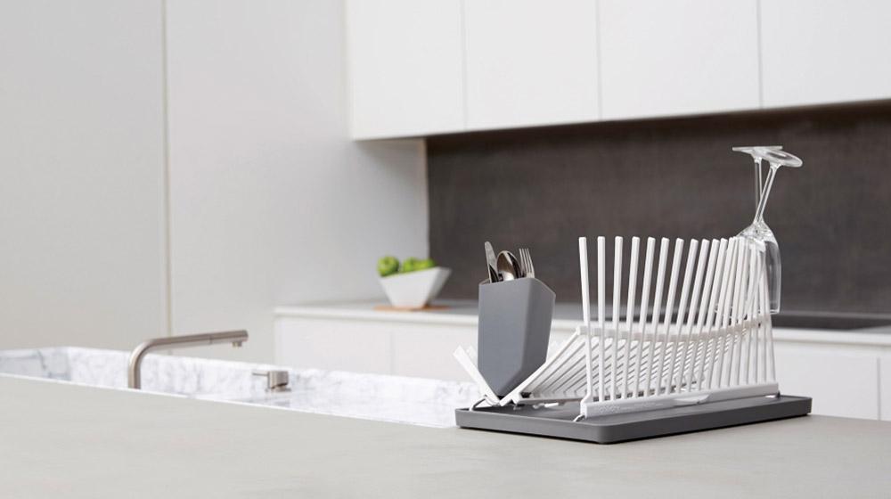 Dish rack for modern kitchen