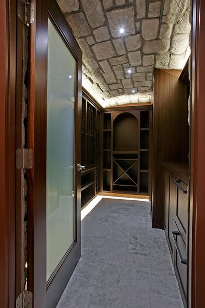 Drakes Residence - Contemporary Cellar Design