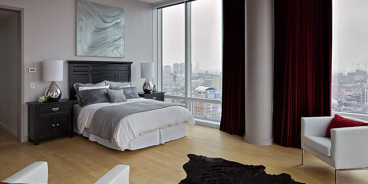Elegant Luxurious Master Bedroom With Spectacular Views