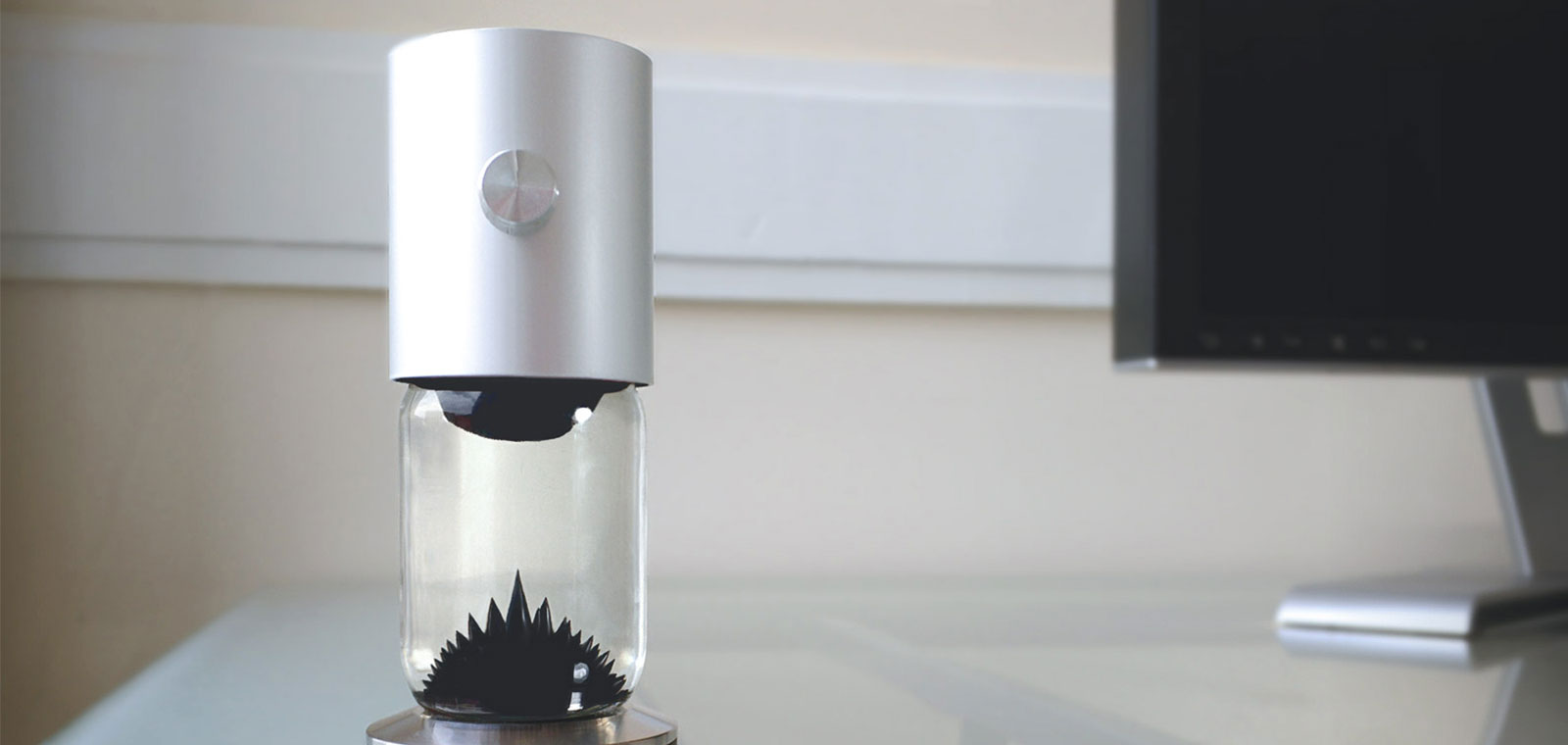Ferroflow - a mesmerizing ferrofluid sculpture