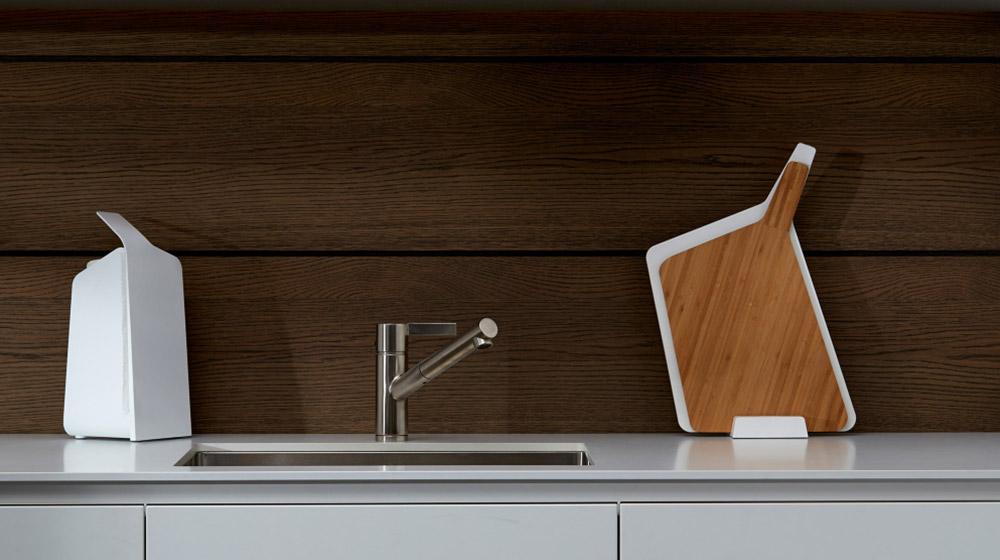 Forminimal stylish kitchenware - kitchen roll and chopping board