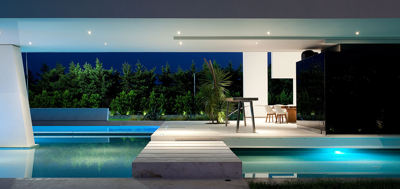 Futuristic House Relaxing Area With Stunning Pool