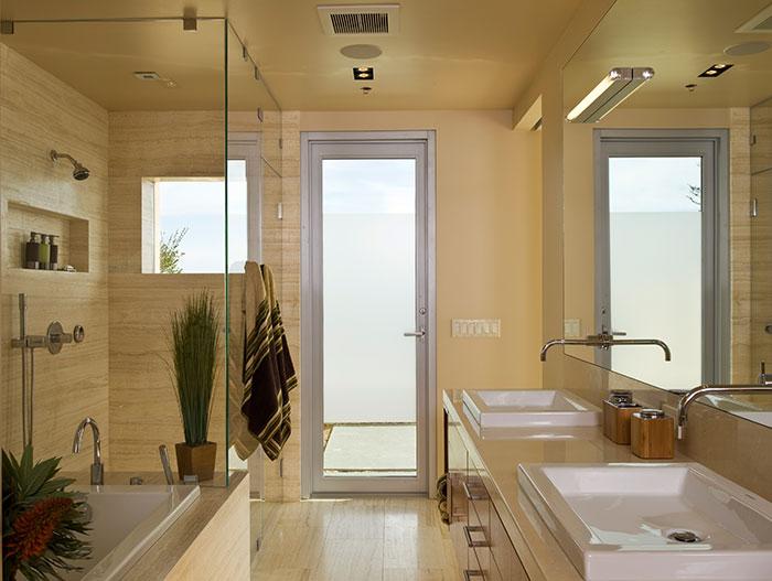 Garay Residence - Modern Bathroom