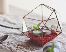 Adorable gift idea for home decor lovers: handmade geometric planters and candle holders