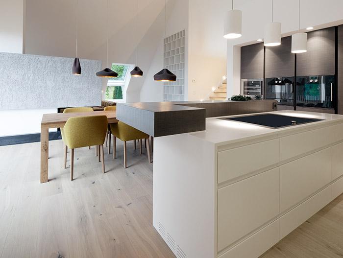 House B.A.B.E. Stunning White And Black Kitchen