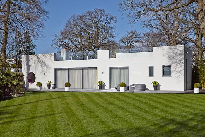 LA Hally Architect Modern White Exterior