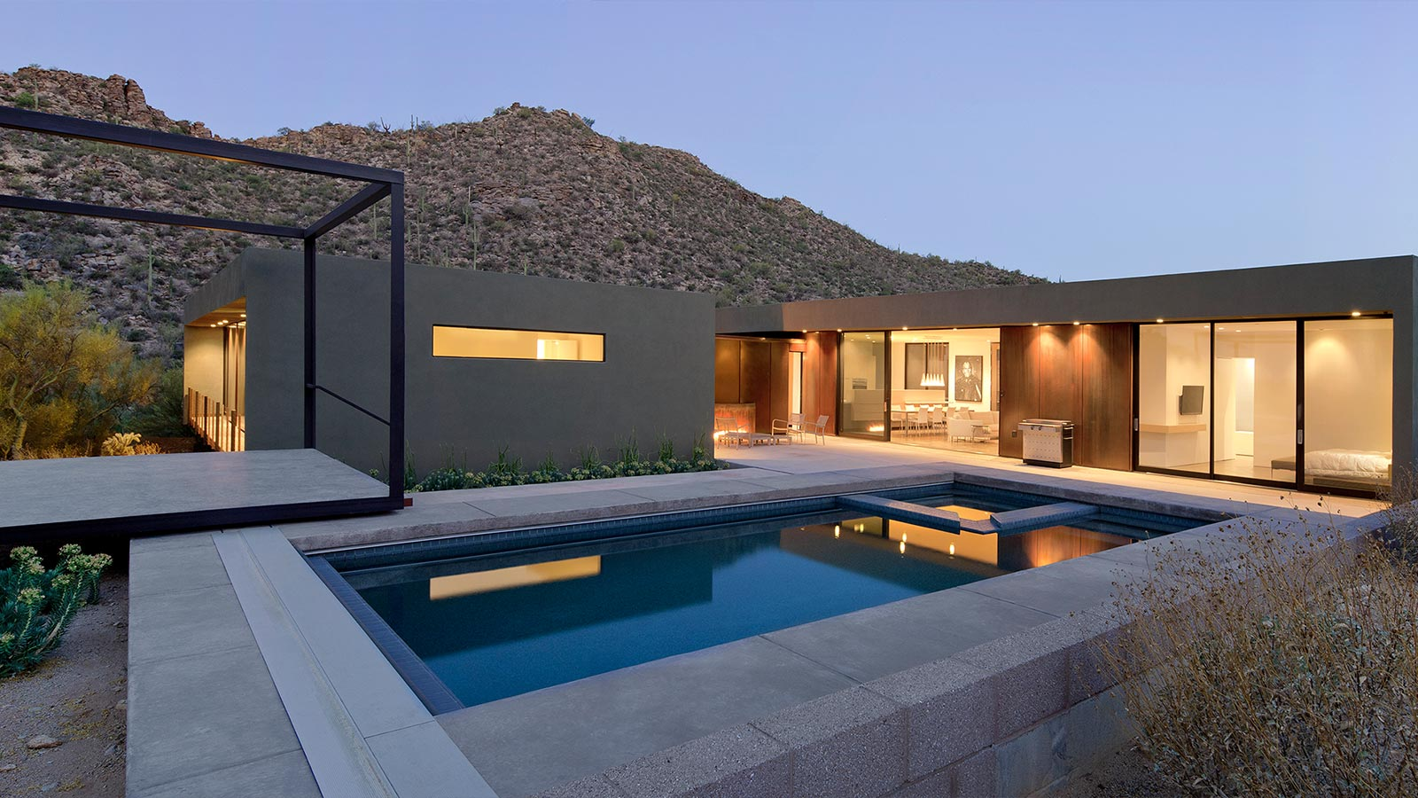 Levin Residence A Sleek Desert House In Marana Arizona