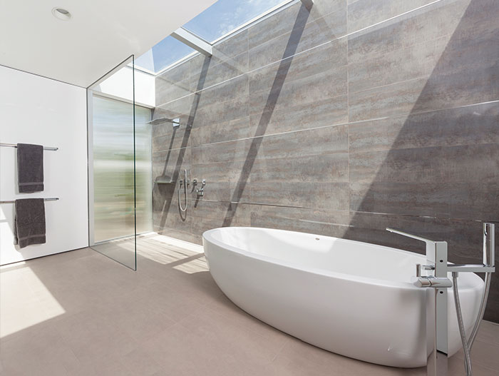 Modern Bathroom With Round Bathtub
