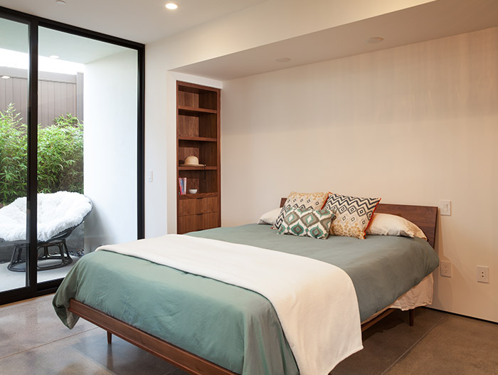 Modern Bedroom In A Beautiful Home Located In Orange County