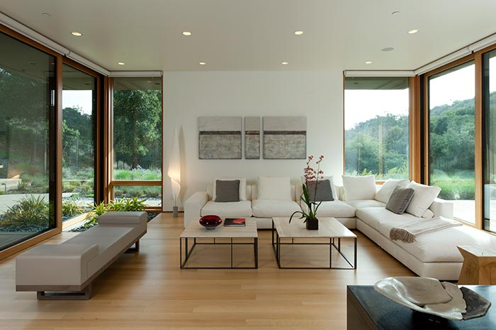 Modern Living Room Design With Beautiful White Sofa And Spectacular Exterior View