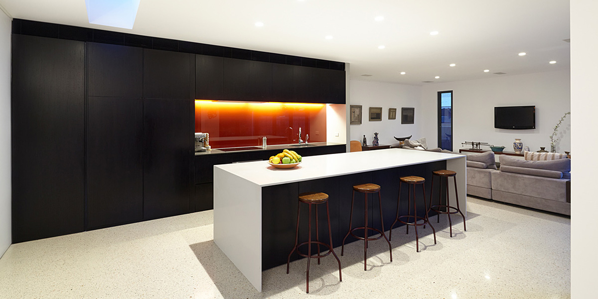 Modern White And Black Kitchen Design