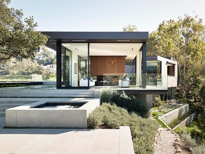 Oak Pass Residence Modern House With Infinity Pool Located In Beverly Hills