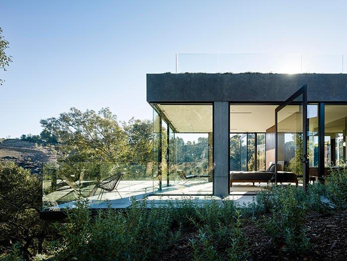 Oak Pass Stunning House In California By Walker Workshop