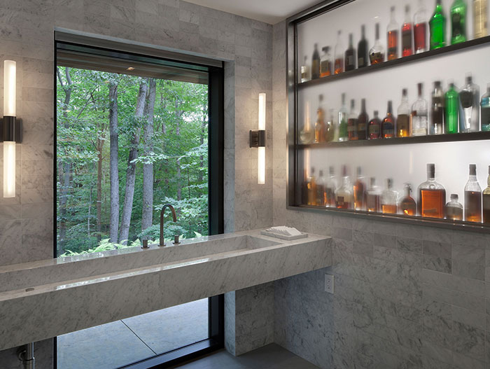 Stunning Bar For Indoor And Outdoor Entertainment